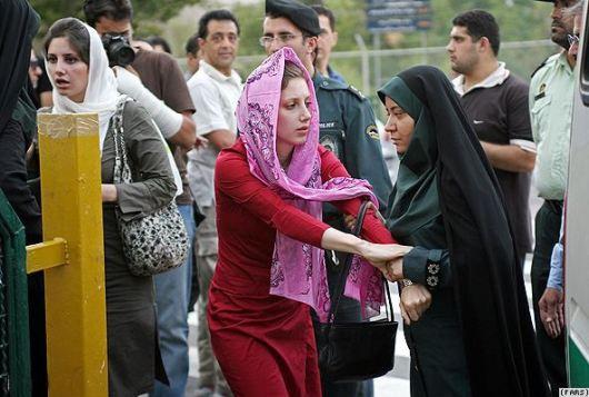 morality-police-Tehran.jpg