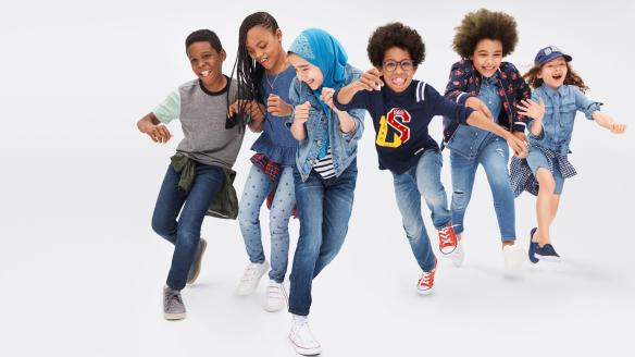 Gap-Back-to-School-Campaign-Features-a-Girl-Wearing-a-Hijab-e1534165355826.jpg